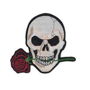 Rose bordados Crânio flor HOT 1pcs ferro em Patchs engomar roupas bordados Sew Cross Bones Bandeira de pirata sentiu remendo Applique