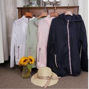2020 nouveau printemps / été vêtements de plein air de la peau des femmes des vêtements de protection uv respirant à capuche Voyage veste mince vêtements de plein air