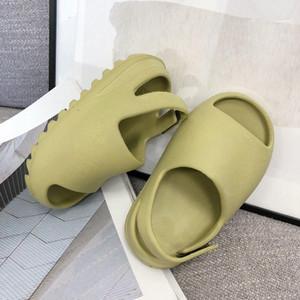 chico de bebé barato Kanye West hueso niñas Negro Diapositivas Niños Diseñador sandalias de espuma de verano Los niños pequeños de arena del desierto Resina playa para niños Zapatillas