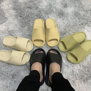 Baratos 2020 Kanye diapositivas mujeres de los hombres zapatillas de diseño del hueso de arena del desierto de resina sandalias Hotel Triple moda negro playa de diapositivas para hombre con la caja