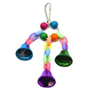 Nuevo Inicio granos coloridos campanas loro Juguetes Suspensión Puente colgante cadena pájaro del animal doméstico del loro Chew Toys oscilación jaula de pájaros de la decoración del hogar Herramientas