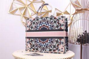 Designer luxury women's handbag purse leather personality shoulder bag fashion designer bag large capacity, with box