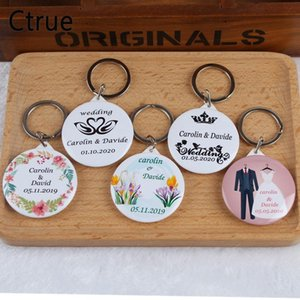 50pcs Personalized Name Date Keychain with Mirror Custom Wedding Favors and Gifts Wedding Gifts for Guests Souvenirs