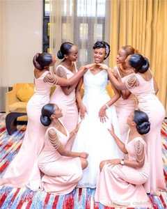 2020 Rosa Vestido African Mermaid Brautjungfernkleider Lange Slit V-Ausschnitt Beaed Kappen-Hülsen-Reißverschluss-Backless Hochzeitsgast Kleider Plus Size
