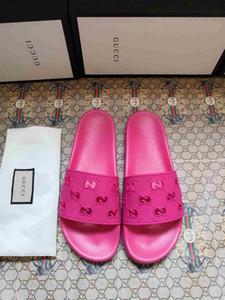 2020 Luxus-Designer-Schuhe Slides Sommer-Strand-Innen Wohnung G Pantoffel Haus Flip Flops mit Spike Sandale size35-45 mit Box Q6