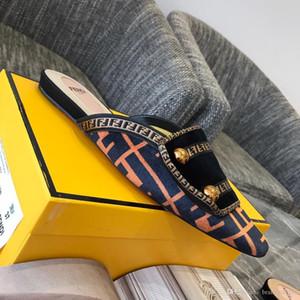Nouveau pantoufles femmes pantoufles à talon bas mode marque Mule chaussures bout pointu chaton talon glisse Patchwork Sandal dames matériau de peau de vache