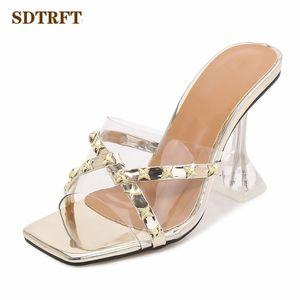 senhoras SDTRFT 9cm saltos altos finos bombas Mulheres Rebites Chinelos de slides Abra Toe Shoes Glitter Efémero Outdoor Promoção Calçado