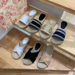 Femmes Designer Broderie lettres rayées Espadrille Sandal luxe Slipper Chaussures plates Avec la plage Double métal Weave Chaussures multicolores Box
