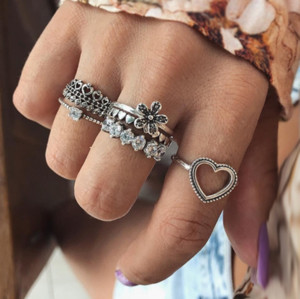 Retro Vintage Carving Flower Crystal Rhinestones Heart Imperial Crown Charm Party Finger Joint Rings For Women Fashion 6 Pieces Jewelry Set