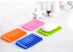 Fashion New Candy Silicone Soap Box Cute Cartoon Soap Dishes Can Drop Soap Holder 11.5*8*1cm Bathroom Accessories