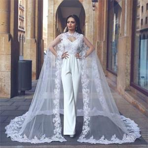 2020 Calças Ternos vintage Vestidos de casamento com Cabo v Neck Lace Appliqued cetim vestidos de noiva Arábia Árabe Praia Plus Size vestito da sposa