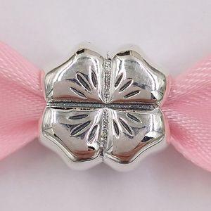 Autentico Argento 925 fascini dei branelli di Lucky Four Leaf Clover Charm Adatto monili europei di stile Pandora collana dei braccialetti 790.157