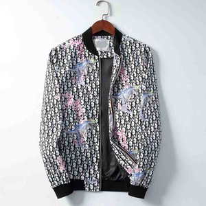 새로운 남자의 디자인 재킷 디자인 코트 새로운 생산 편지 후드 자켓 트렌치 코트 우편 까마귀 남성 스포츠 톱 의상