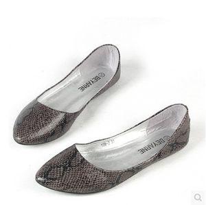 Las señoras suaves zapatos de baile únicos para las mujeres pisos bailarina en punta mocasín transpirable conducción vendimia slip-ons más el tamaño 45 46