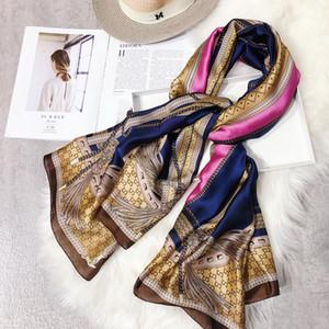 designer robe de printemps royal de haute qualité pour la conception des femmes de cicatrice de haute qualité de la mode frange de l'impression des femmes crème solaire châle de femmes