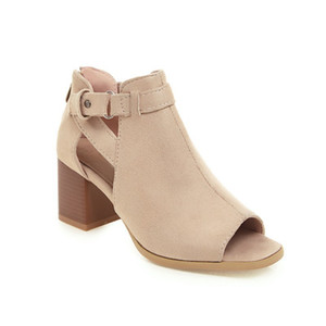 Sexy2019 Woman 19 Square Hasp Грубый с сандалиями Размер кода Женская обувь