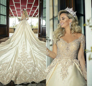 Illusione manica lunghi abiti da sposa 2020 Sheer Collo di Champagne dell'oro Sparkly merletto in rilievo di Applique principessa Big Train abito da sposa