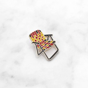 Chair plaid giallo nero rosso personalità creativa cartoon spilla pin speciali marea nuovi risvolti denim distintivo