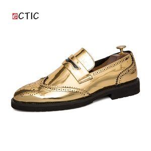 ECTIC Grand Taille 38 ~ 47 Confortable De Luxe En Métal Hommes Brillant Loisir Glissement Sur Les Chaussures Or Homme Formel Partie Zapatos Hombre Calcado