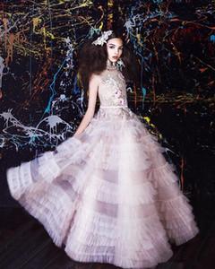 2020 Fairy Dress Flower Girl Jewel cou dentelle florale Appliqued plume 3D luxe filles Pageant robe Tenues de soirée Custom Made enfants Tenue de soirée