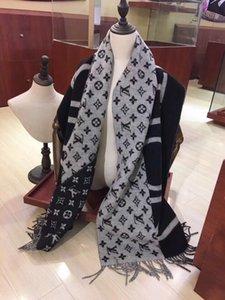 Luxury designer scarf, fashion brand women's scarf, autumn winter cashmere scarf, exquisite workmanship, soft warmth, size 180*70cm
