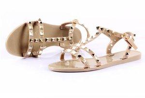 Rivet сандалия лето женщина флип-флоп Пляж желе обуви Презентация ПВХ игра Компания Девушка Сандалии Скольжение на Тарелка с женщинами Коты башмачок
