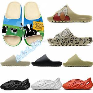 New Kanye Luxury sandal flip flop Designer Runner Summer Fashion Platform Sandale Triple Black Bone White Red women designer sandals
