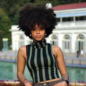 Новые прическа черных бразильских волос Африканского Americ короткий курчавый курчавый естественный парик Моделирование человеческих волосы Afro короткий вьющийся парик для женщин