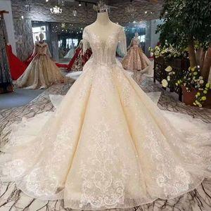 Robe de mariée simple élégante avec train détachable perlée à manches courtes à lacets Retour robe de mariée 2019 Date Fasion Avec Big Bow Beidal robe