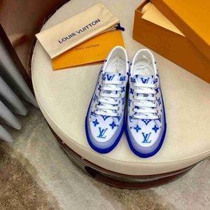 2020 Damen beiläufige Art und Weise Turnschuhe, Modedesigner beiläufige wilde Schuhe
