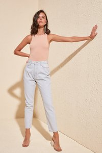 Trendyol Ice Blue-Flushing High Bel Mom Jeans TWOSS20JE0367 T200423