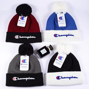 Şampiyonlar Harf Örgü Şapka Kış Beanie Pom Tasarım Kafatası Cap Şapka Erkekler Kadınlar Tığ Şapka Caps Örgü Açık Beanies Kulak Muff Isınma