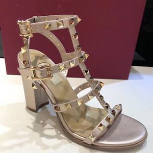 sexy zapatos de tacón alto de las sandalias de moda 9.5cm 2019 últimas mujeres de cuero de diseño de los deslizadores de las mujeres de la bomba sin respaldo