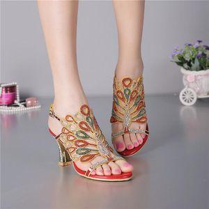 Brand New Mode féminine haut talon Sandales strass décoré mariage chaussures Diamond Lady Plus Size Euro 34 ~ 44 Party Shoes