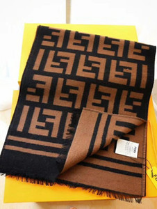 1135 winter new scarf, double-sided two-color workmanship is exquisite. Scarf and shawl, fashionable and versatile high-end atmospheric neck