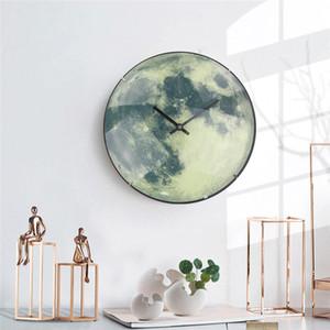 Horloge murale lumineuse Creative Moon avec couvercle de verre courbe Horloge Mute Personnalité Fashion Wall Horloges Livraison Gratuite