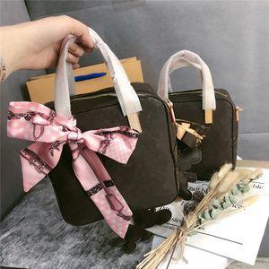 A001 Gönder eşarplar ve tavşan kolye Tasarım lüks moda presbiyopi debriyaj tofu çantası küçük kare torba shou