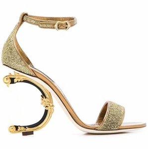 Clássico europeu de Luxo newStyle Sandálias das Mulheres Chinelos de Moda Sexy sandália Alphabetic salto de ouro de Couro Costura e Fazendo Fivelas de Cinto