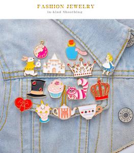 여성 만화 귀여운 앨리스에서 이상한 심장 토끼 크리스마스 브로치 핀을위한 패션 에나멜 핀 버클 T 셔츠 핀과 브로치 보석