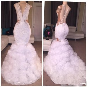 Sexy Designer White Mermaid Prom Dresses 2019 Tiefer V-Ausschnitt Puffy Rock Spitze Applique Criss Cross Rückenfrei Lange Partykleider
