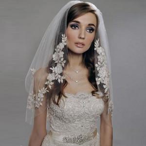 Meilleure vente Courte Veil de mariage à double couche Célébrité Même paragraphe Silver thread Applique Peigne Cheveux Veil de mariée Accessoires