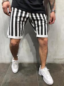 Imprimer Mens Shorts en vrac genou Longueur Plaid Imprimé Adolescent Pantalon court noir et blanc rayé Homme Vêtements