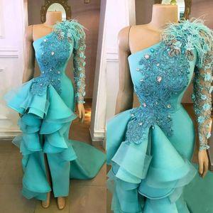 2020 Sexy Turquoise Hunter Abendkleider Wear für Frauen einer Schulter-Nixe-Feder-Blumen-Rüschen Split-formalen Abschlussball-Kleid-Partei-Kleider