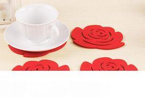 Al por mayor-Moda Simple 5Pcs Rose Placemats agarraderas aisladas Crochet Doilies Felt Coasters Cup Mats Table Mat Pads