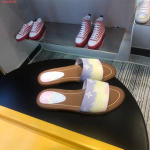 2020 Sıcak Yeni Kadın ESCALE KİLİDİ BT DÜZ MULE kadın terlik 1A7TO3 sandalet moda rahat en kaliteli boyutu 35-42