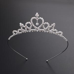 Vendita calda bella cristallo brillante nuziale Tiara Party Pageant argento placcato corona Hairband Accessori da sposa economici 2018 Nuovo Design