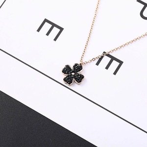 Titanium Steel Necklaces With Clover Black Or Red Sexy Style Collarbone Chain Necklace For Young Lady Fashion Gift For Girls Easy To Match