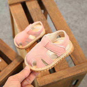 Pudcoco Baby Infants Soft Sole Non-slip Closed-Toe 0-2 Years Baby Boys and Girls Summer Flat Squeaky Shoes