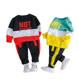 Meninos lazer Conjuntos listrado Carta Splice Tops Crianças Casual Suits Vestuário Meninos esportes da criança dos desenhos animados manga comprida Define 060302