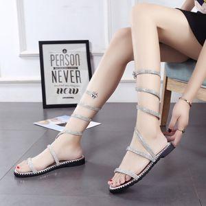 Nouvelle perceuse d'eau autour du pied, sandales, sandales à semelles plates, chaussures pour femmes, mode en Europe et Amer
